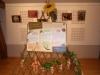 Un des panneaux pédagogiques de l'exposition sur treillis