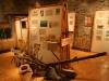 objets et panneaux de l'exposition